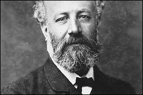 Jules Verne Müzikali Geliyor