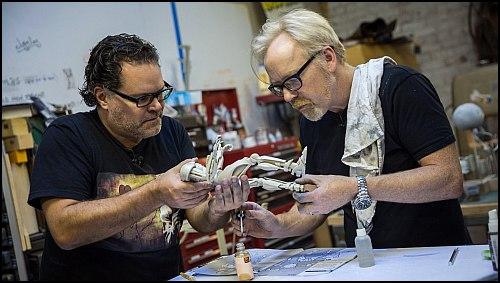 Battlestar Galactica'nın Yıldızı Chief Tyrol İle 1 Günde Cylon Modelleri Yapmak