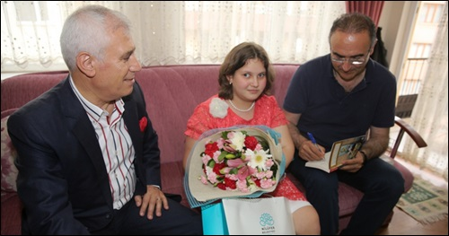 Nilüfer Belediyesi'nden Engelliler İçin Evlere Kitap Servisi