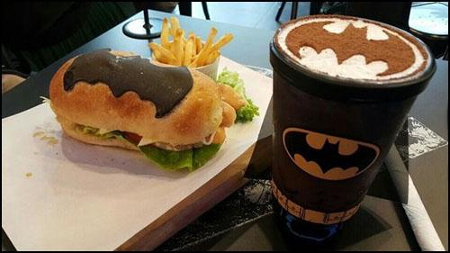 Süper Kahraman Temalı Kafeden Süper Yiyecekler!