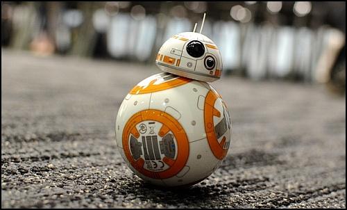 Star Wars'un Tatlı Robotu BB-8 Dişiymiş