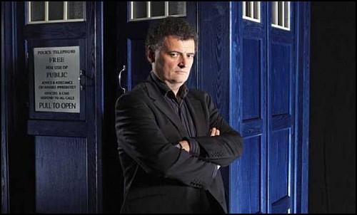 Steven Moffat, Doctor Who'nun Yapımcılığını Bırakıyor!