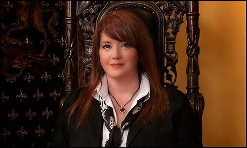 Sherrlyn Kenyon, Cassandra Clare'e Telif Hakkı Davası Açtı