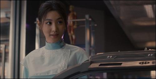 Claudia-Kim-kara-kule