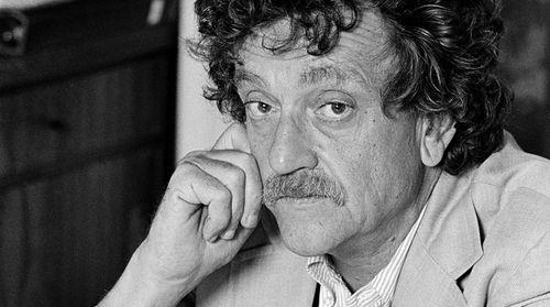 Kurt Vonnegut'un 3 Romanı Daha Raflara Geliyor